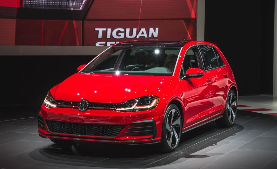 2018 Volkswagen Golf GTI - Slide 2