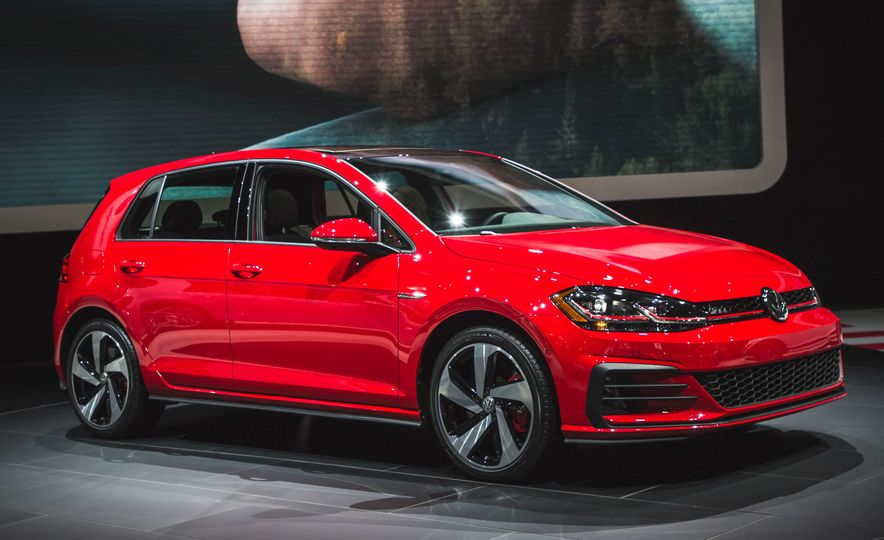 2018 Volkswagen Golf GTI - Slide 3