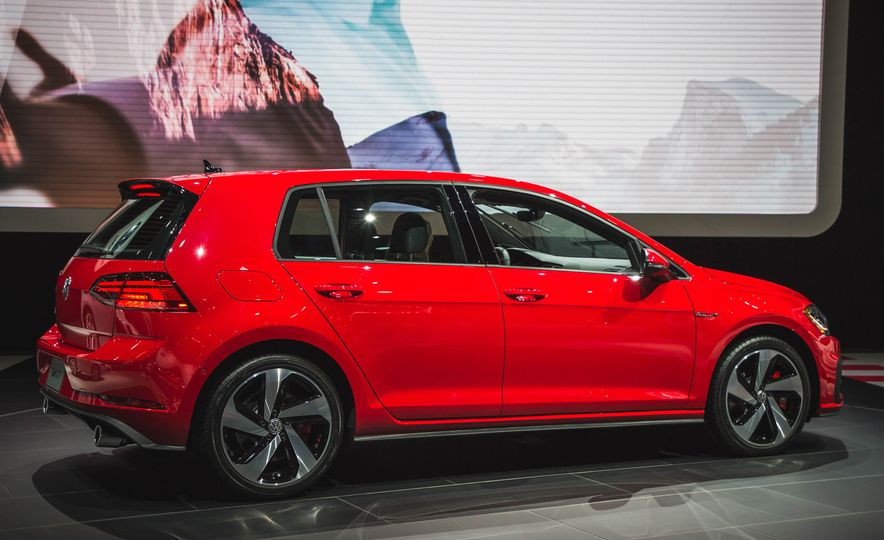 2018 Volkswagen Golf GTI - Slide 4