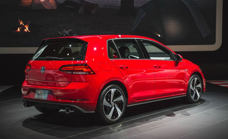 2018 Volkswagen Golf GTI - Slide 5