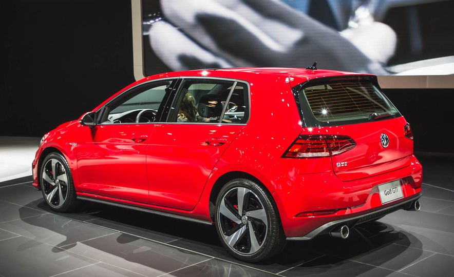 2018 Volkswagen Golf GTI - Slide 6