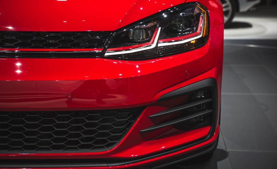 2018 Volkswagen Golf GTI - Slide 10
