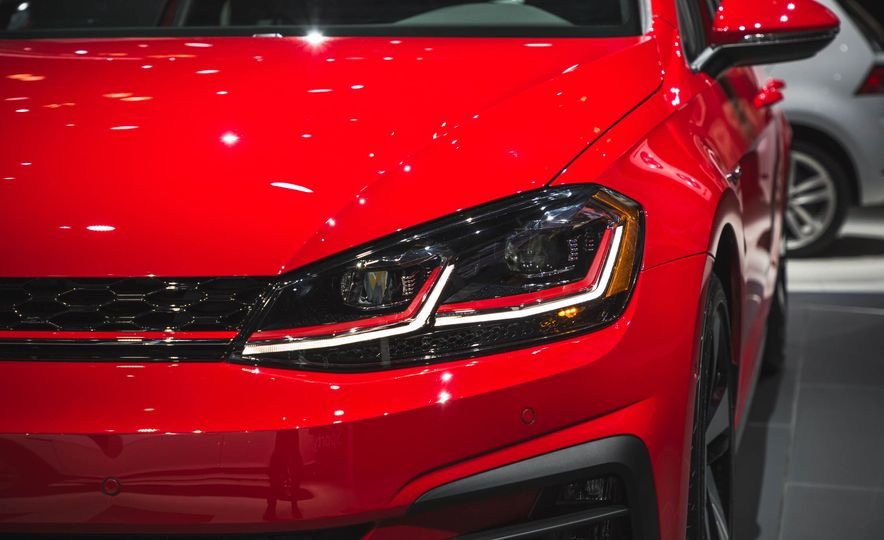 2018 Volkswagen Golf GTI - Slide 11