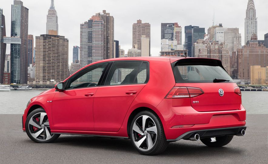 2018 Volkswagen Golf GTI - Slide 39