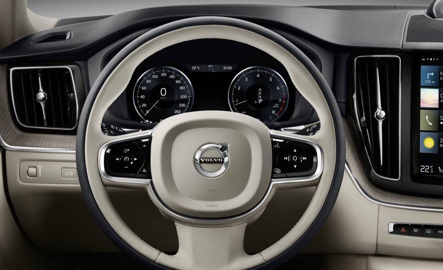 2018-Volvo-XC60-PLACEMENT - Slide 27