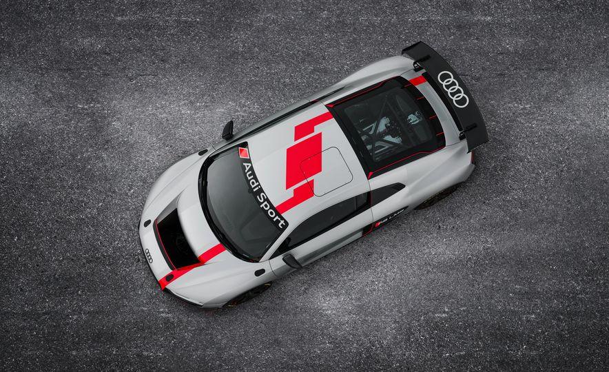 Audi R8 GT4 - Slide 1