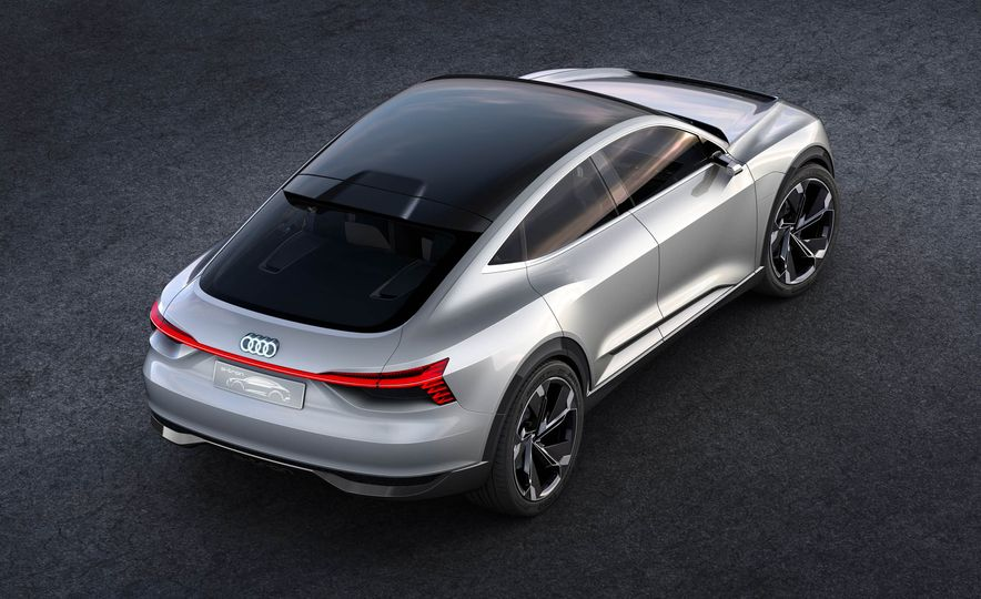 Audi e-tron Sportback concept - Slide 8