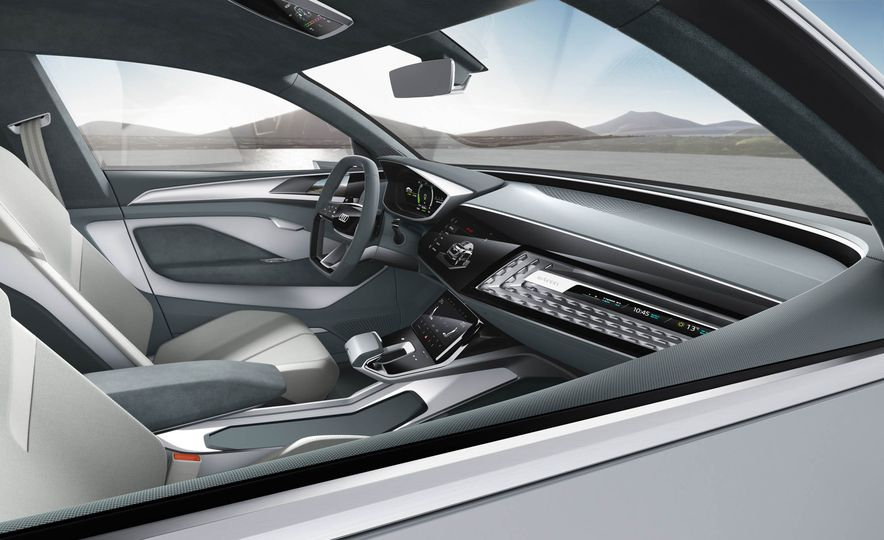 Audi e-tron Sportback concept - Slide 9