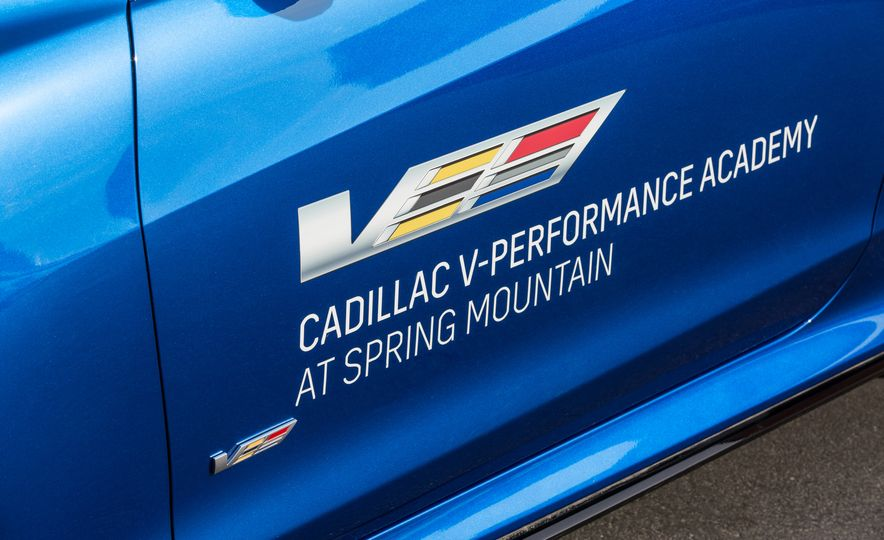 Cadillac V-Performance Academy - Slide 34