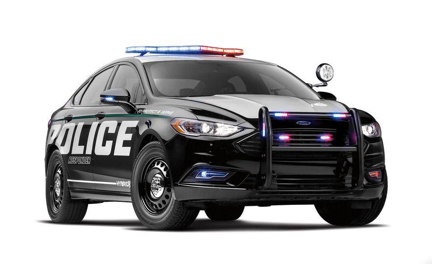 Ford Police Responder Hybrid Sedan - Slide 10