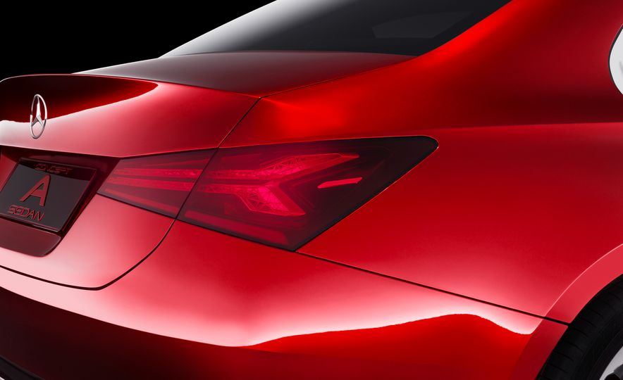 Small Is Beautiful? Mercedes Soon Will Offer Eight Front-Drive Models - Slide 10