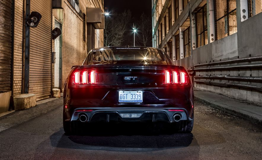 2016 Ford Mustang GT - Slide 7