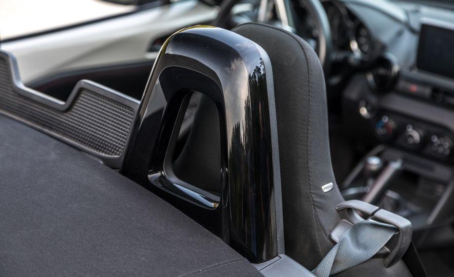 2016 Mazda MX-5 Miata - Slide 23