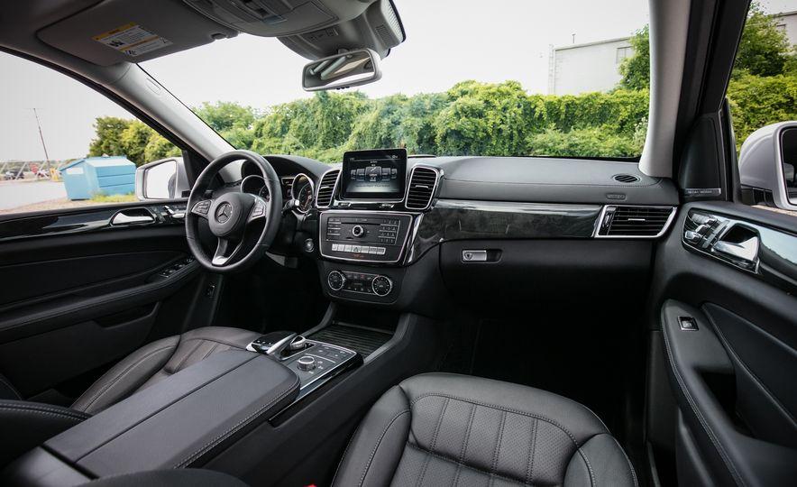 2016 Mercedes-Benz GLS450 - Slide 28