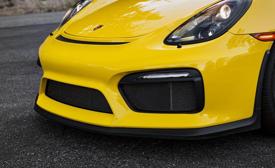 2016 Porsche Cayman GT4 - Slide 7