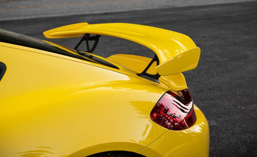 2016 Porsche Cayman GT4 - Slide 11