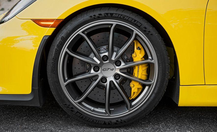 2016 Porsche Cayman GT4 - Slide 15