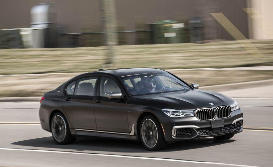 2017 BMW M760i - Slide 3