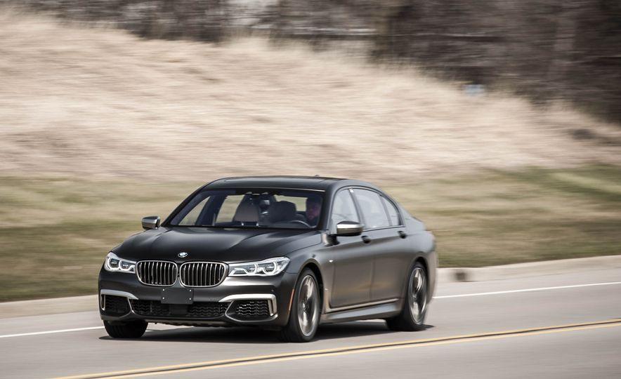 2017 BMW M760i - Slide 4