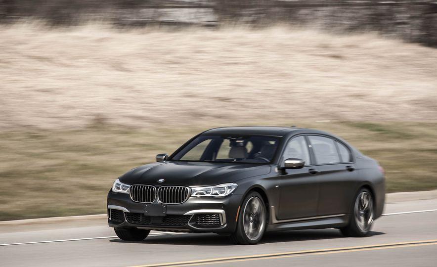 2017 BMW M760i - Slide 5