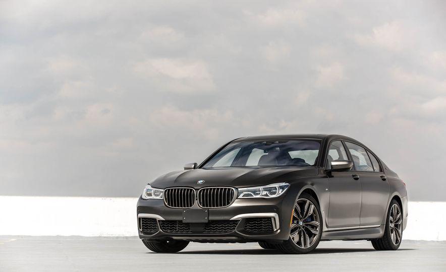 2017 BMW M760i - Slide 11