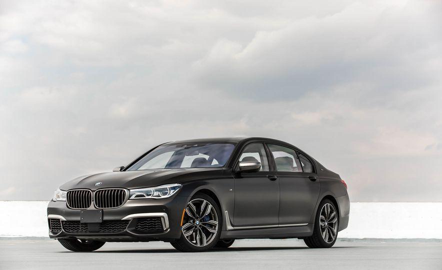 2017 BMW M760i - Slide 12