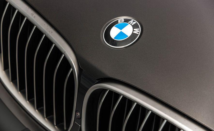 2017 BMW M760i - Slide 25
