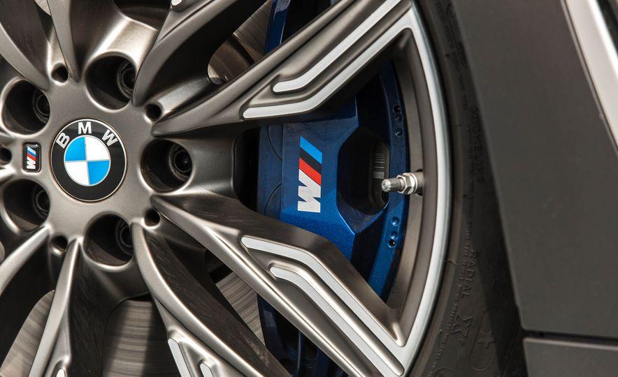 2017 BMW M760i - Slide 33