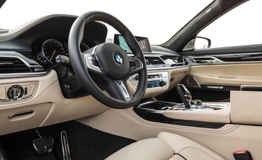 2017 BMW M760i - Slide 36