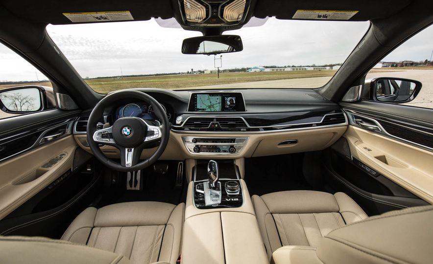 2017 BMW M760i - Slide 38