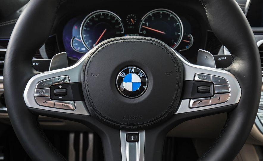 2017 BMW M760i - Slide 41