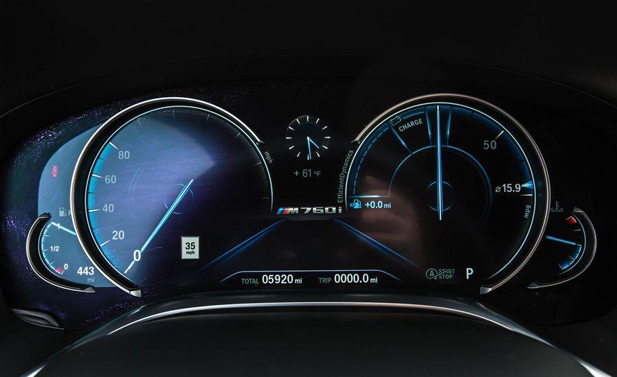 2017 BMW M760i - Slide 46