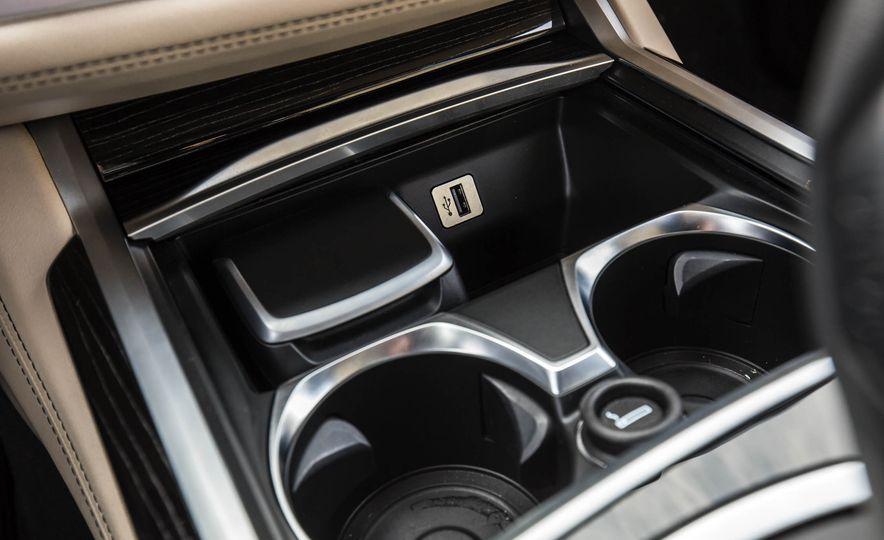 2017 BMW M760i - Slide 55