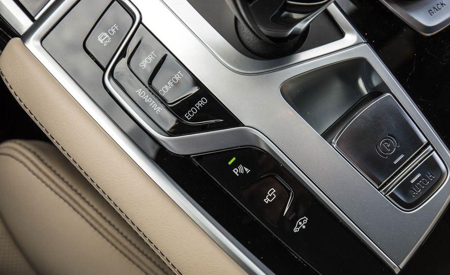 2017 BMW M760i - Slide 57