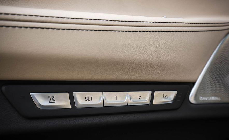 2017 BMW M760i - Slide 62
