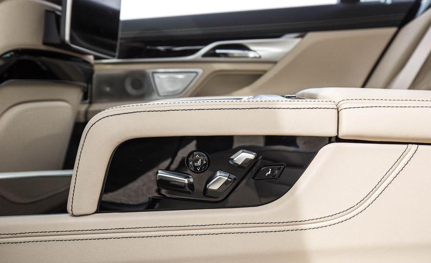2017 BMW M760i - Slide 68