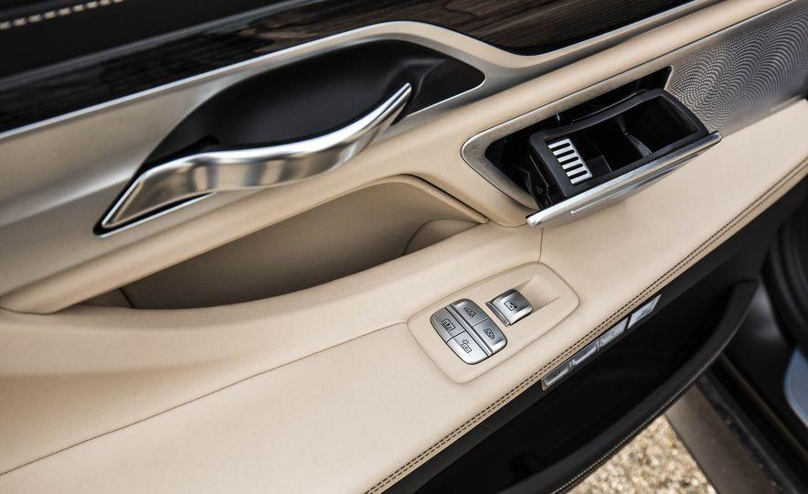 2017 BMW M760i - Slide 81