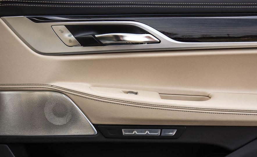 2017 BMW M760i - Slide 82
