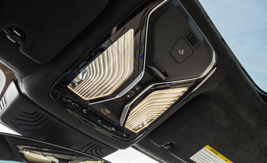 2017 BMW M760i - Slide 96