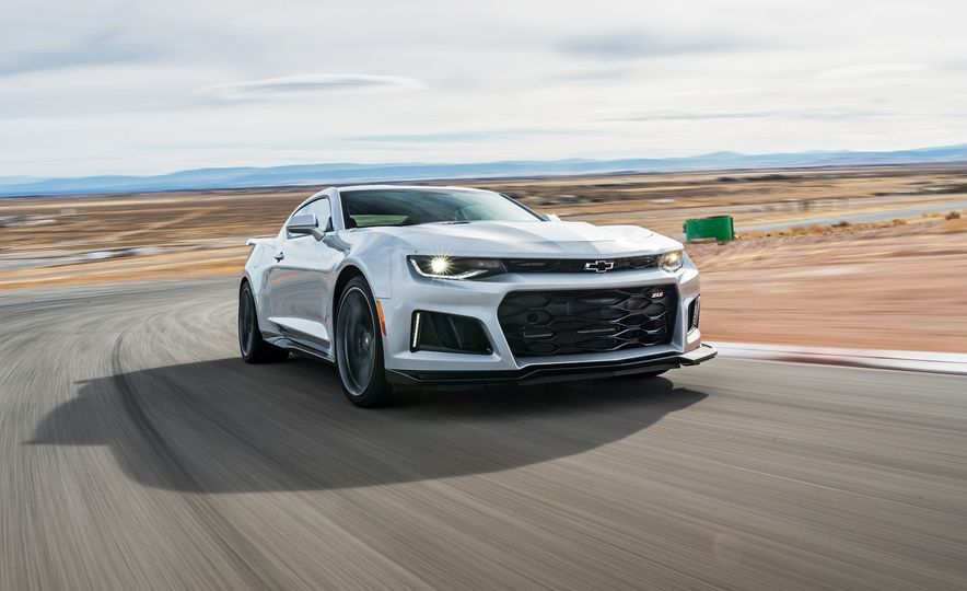 2017 Chevrolet Camaro ZL1 coupe - Slide 1