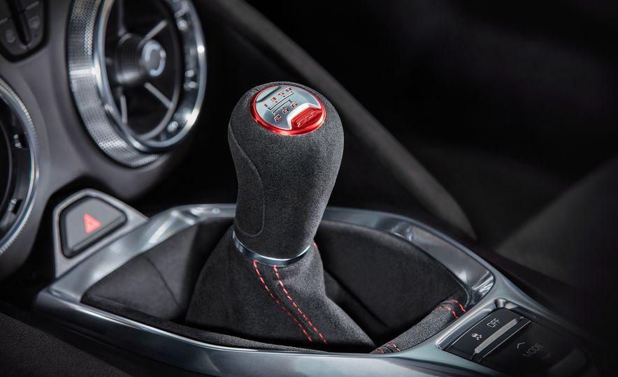 2017 Chevrolet Camaro ZL1 coupe - Slide 10