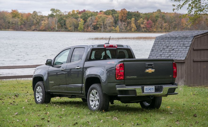 2017 Chevrolet Colorado - Slide 23