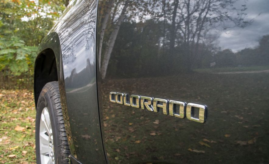 2017 Chevrolet Colorado - Slide 30