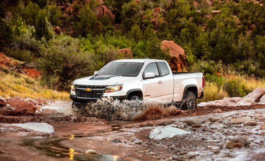 2017 Chevrolet Colorado ZR2 - Slide 11