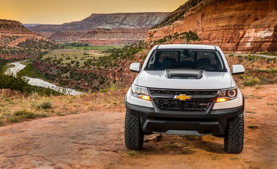 2017 Chevrolet Colorado ZR2 - Slide 16