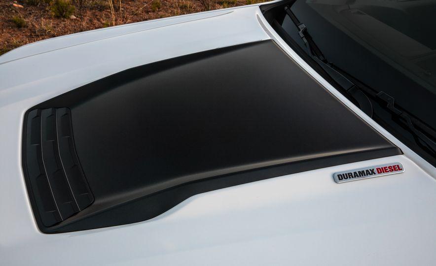 2017 Chevrolet Colorado ZR2 - Slide 26