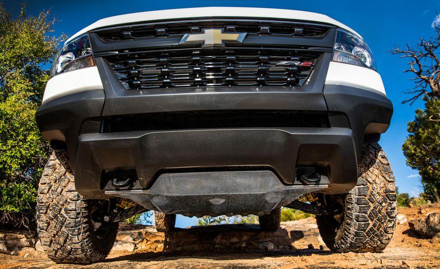 2017 Chevrolet Colorado ZR2 - Slide 27