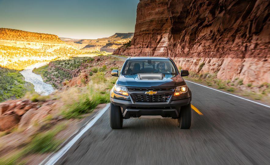 2017 Chevrolet Colorado ZR2 - Slide 37
