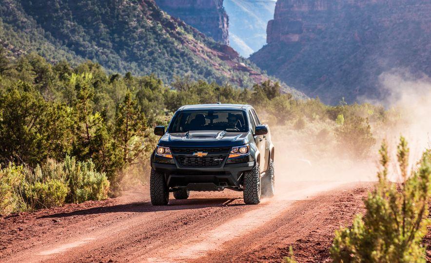 2017 Chevrolet Colorado ZR2 - Slide 38