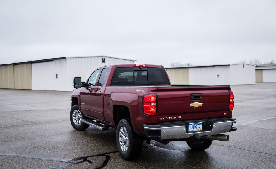 2017 Chevrolet Silverado 2500HD/3500HD - Slide 11